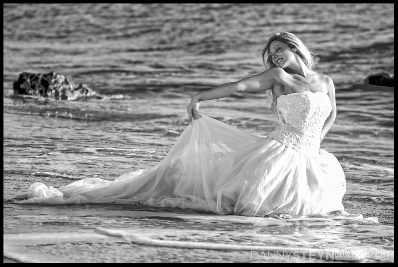 Trash the dress wedding photography south florida for Wedding dresses south florida